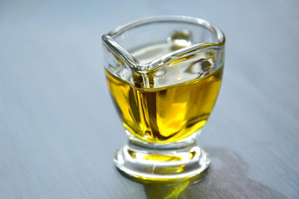 nierafinowany olej lniany zimnotłoczony